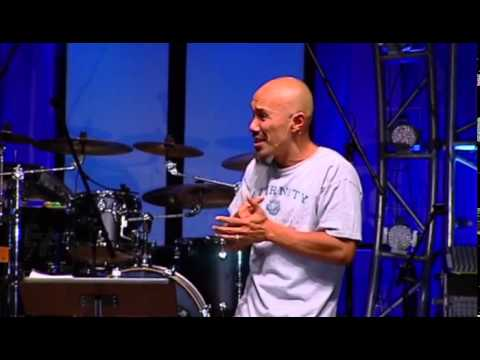Francis Chan Speaks at Momentum Youth Conference 2012