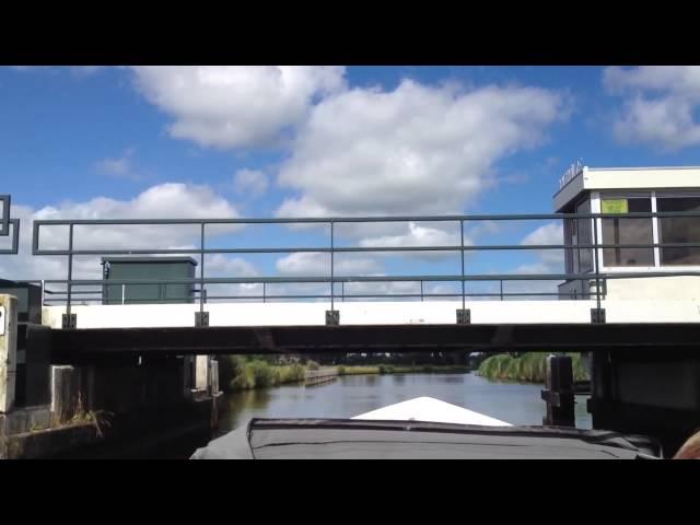 Bootsfahrt durch die Grachten Frieslands