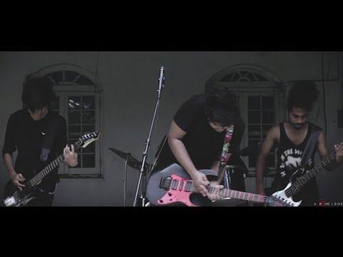 Slow Motion Car Crash - Nognota (Official Music Video)