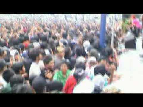 Rocket Rockers - Bangkit (Live at Charity for Aceh 2005)