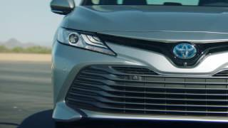 2018 Toyota Camry Hybrid XLE video debut
