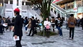 渡辺とうふ(俳人) 新宿で、駅前天使7句チラシ【新宿タイムス】を配る...