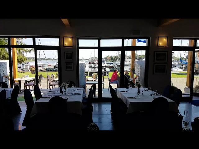 Hot odwiedza: Marina Restaurant 2