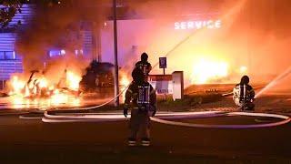 Storbrand vid Tesla i Malmö - elbilar för miljoner förstörda