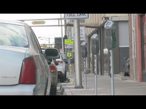 Albuquerque offers free 2-hour parking for holiday shoppers in downtown