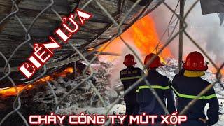 Toàn cảnh vụ cháy công ty mút xốp giữa khu dân cư đông đúc.