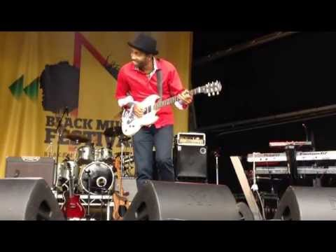 "Robert ""Dubwise"" Browne - Live At Leeds Black Music Festival 2015"
