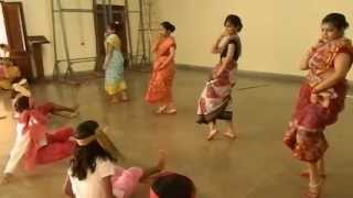 Folk Dance of Bengal by Loreto Convent, Ranchi Girls