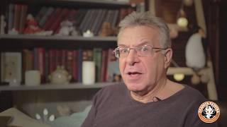 Смотреть Андрей Ургант читает английские народные песенки в переводе Самуила Маршака онлайн