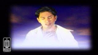 Ronnie Sianturi - Melangkah Diatas Awan (Official Music Video)
