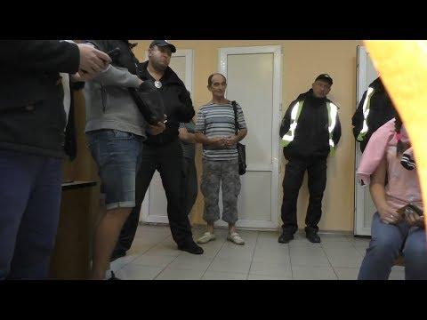 Полиция на Гоптовке вымогают 40 тыс у россиян  1 часть