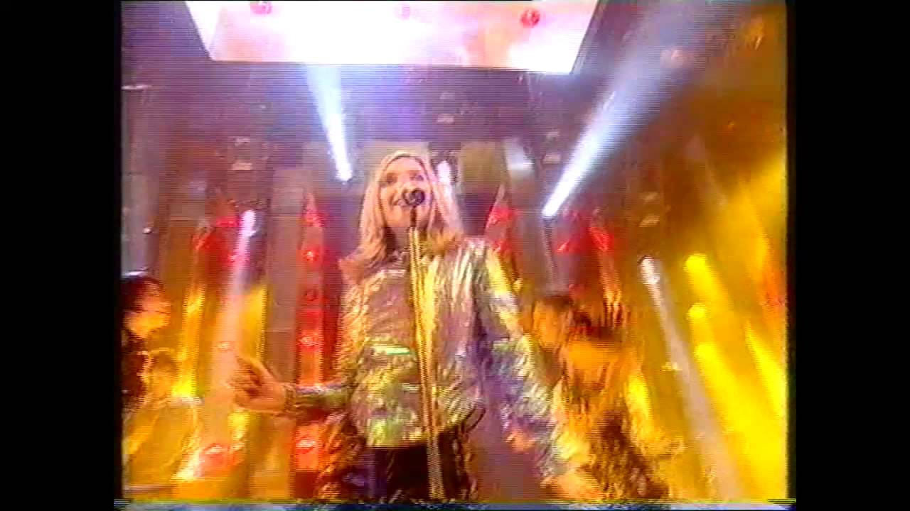 Saint Etienne - He's On The Phone (TOTP 1995)