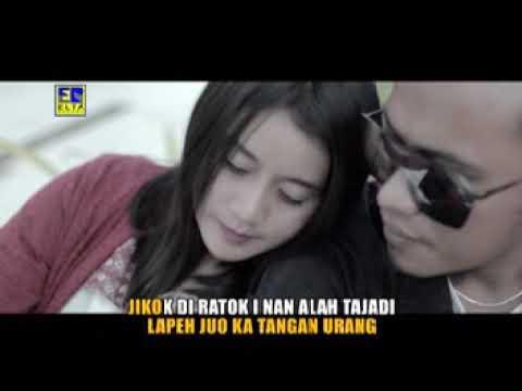 Download Ovhi Firsty - Gamang Manjago Cinto (Official Music Video) Lagu Minang Terbaru 2019