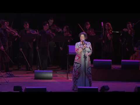 Queenie van de Zandt singing 'Both Sides Now