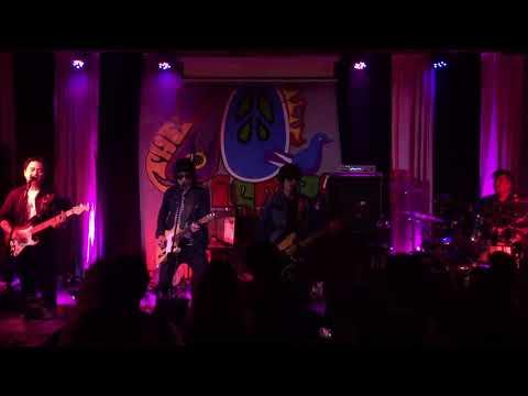Let Me - Orange And Lemons (Live at 70's Bistro)