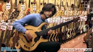 Gambar cover Volver (Tango) on a Jerzy Drozd Bass guitar.