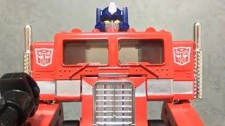 【TRANSFORMERS】G1(復刻版) 総司令官コンボイ(OPTIMUS PRIME)