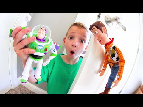 Father & Son TOY ROOM ADVENTURE TIME! / Toy Story 4