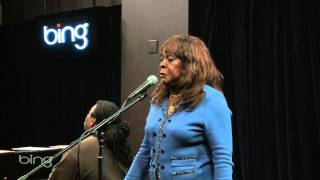 Martha Reeves - Love Makes Me Do Foolish Things (Bing Lounge)