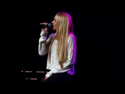 "[HD] Danielle Bradbery  ""Daughter of A Workin' Man"" BEAUTIFUL performance"