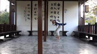 Morning practice in Lugang, Taiwan 晨練 - 鹿港老街