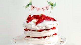 Strawberry Meringue Cake 딸기 머랭 케이크