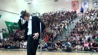 Student brings down the house with Michael Jackson dance