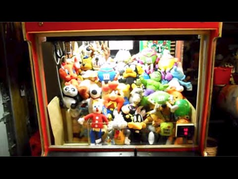 Cleaning Out My Claw Machine!