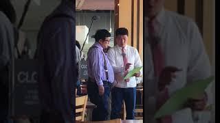 レストランでWエンジンさんのロケ撮影中に遭遇、仲良く真剣に打ち合わせ...