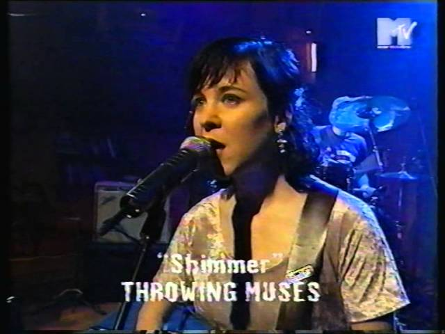 throwing-muses-bright-yellow-gun-shimmer-live-mtv-europe-1995-johan-rld