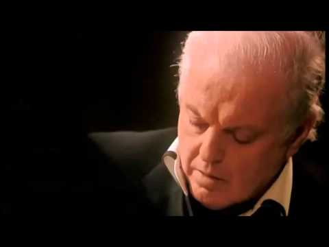Beethoven | Piano Sonata No. 9 in E major | Daniel Barenboim