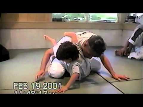 Amazing 5 year old practicing Jiu-jitsu