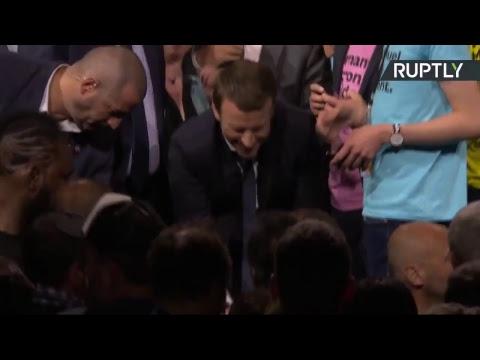 Emmanuel Macron poursuit sa campagne présidentielle à Nantes (Direct du 19.04)
