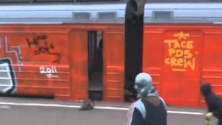 Video Graffiti Moscow - TacePDS doing some Live Train Bombing Action download MP3, 3GP, MP4, WEBM, AVI, FLV Desember 2017
