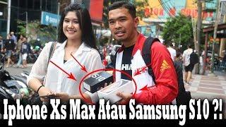 Gambar cover Give Away Iphone Xs Max Dan Samsung S10 Dijalan !! Sosial Experiment !!