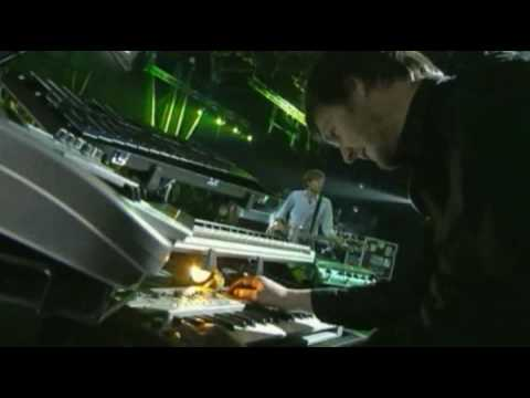 AIR - La Femme D'Argent (Live in France, 2007)