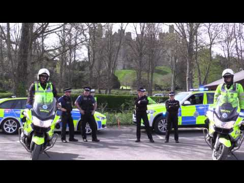 Sussex police dance to 'Running Man Challenge'