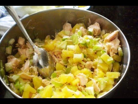 Салат Дамский каприз с курицей и ананасами. Рецепт http://leoanta.ru/