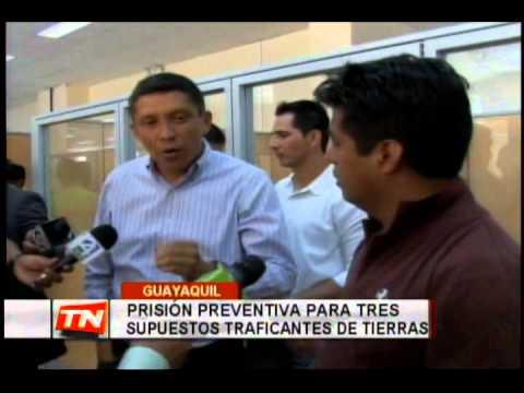 Prisión preventiva para tres supuestos traficantes de tierras