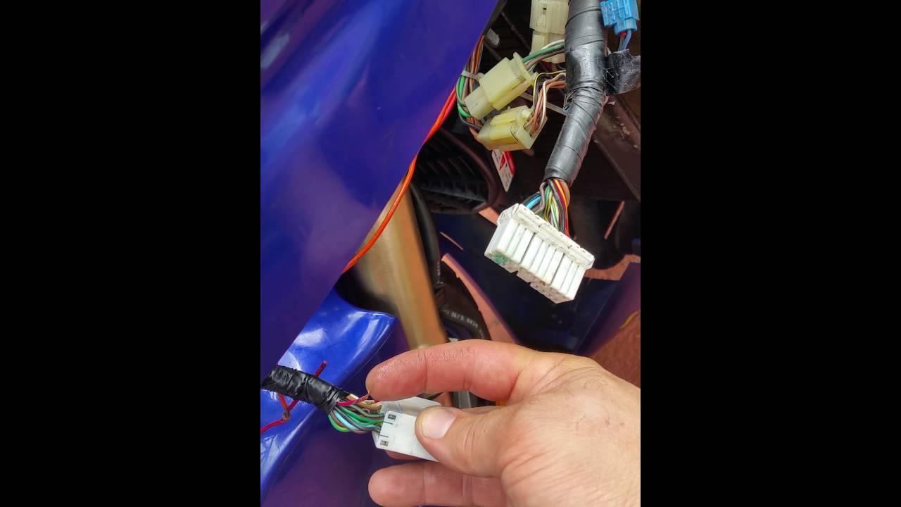 Yamaha R1 1999 Instrument Panel Off Problems Fix It Youtube