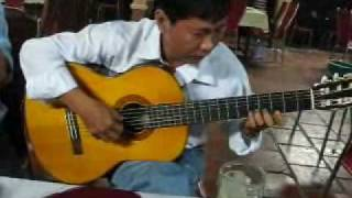 Hiếu Bạc Liêu đàn guitar
