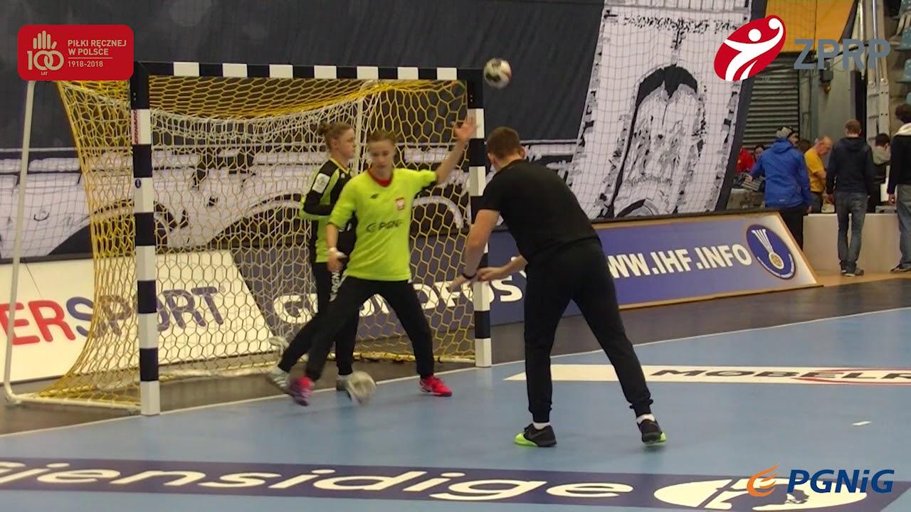 Pierwszy trening Polek – EgeTrans Arena