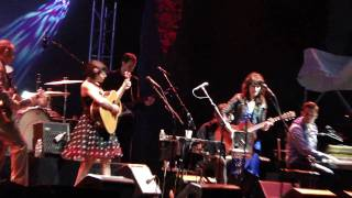 NORAH JONES barstool blues NEIL YOUNG - Prospect Park brooklyn NEW YORK  JUNE 9 2010