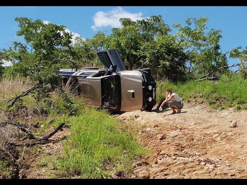 Zambia Malawi 2018/19 Land-cruiser off-road 4x4