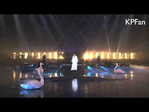 Katy Perry - Unconditionally (Live @...