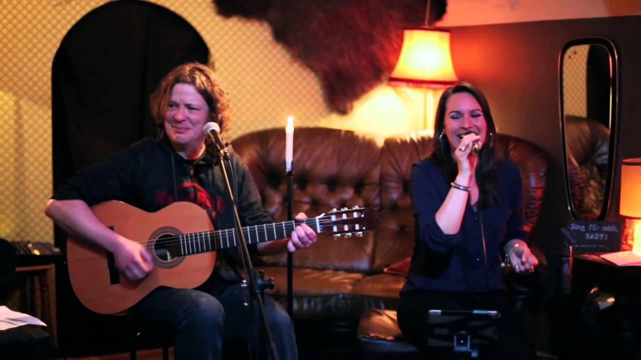 Heimathirsch Köln waka waka shakira cover sing für mich baby live