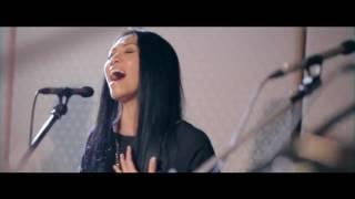 Video Anggun X Back2Basixx - A Rose In The Wind/ Kembali download MP3, 3GP, MP4, WEBM, AVI, FLV Agustus 2018