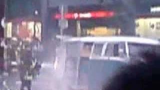 渋谷の交差点で自動車炎上 シエスパ 検索動画 30