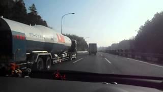 グリーンエナジー 天然ガスのタンクローリー 東関道にて DSCN9563