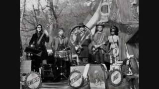 The Raconteurs Pull this blanket off